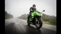 Moto: veja dicas de pilotagem mais segura no inverno