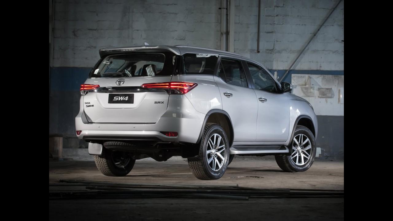 Latin NCAP: Toyota SW4 acompanha Hilux e alcança nota máxima nos testes