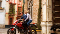 Cameron Diaz and Tom Cruiser, screenshots of the mkotion picture Knight and Day, 1100, 22.07.2010