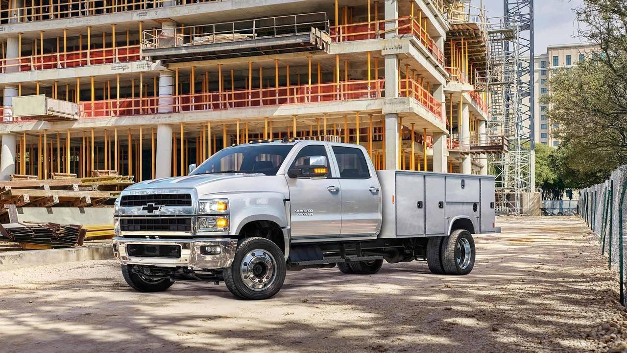 Duramax Diesel Trucks For Sale >> 2019 Chevrolet Chassis Cab Trucks Will Now Wear A Flowtie