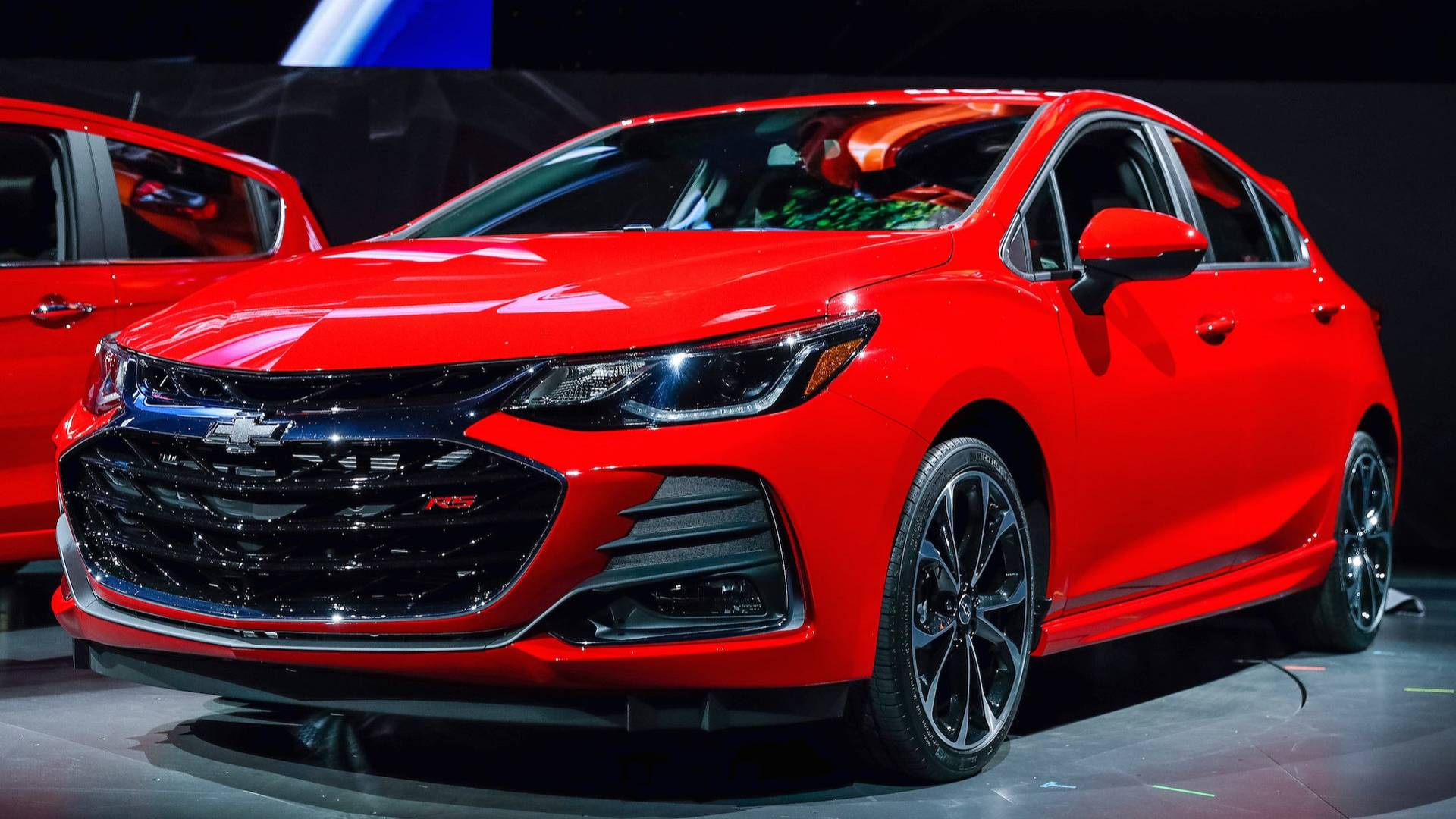 OFFICIAL: 2019 Chevy Cruze gets minor updates. Details ...