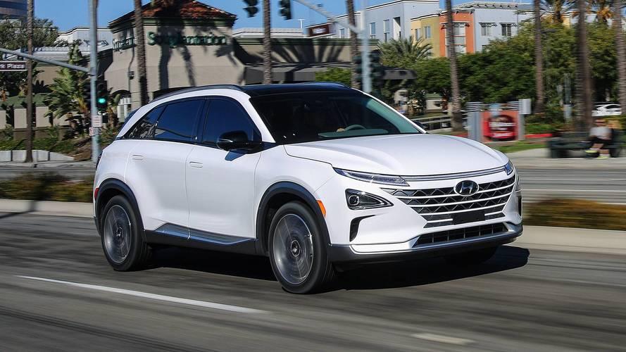 Hyundai Nexo Fuel-Cell Crossover Goes 350 Miles Per Tank