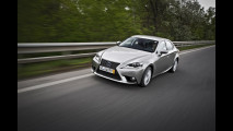 Nuova Lexus IS Hybrid