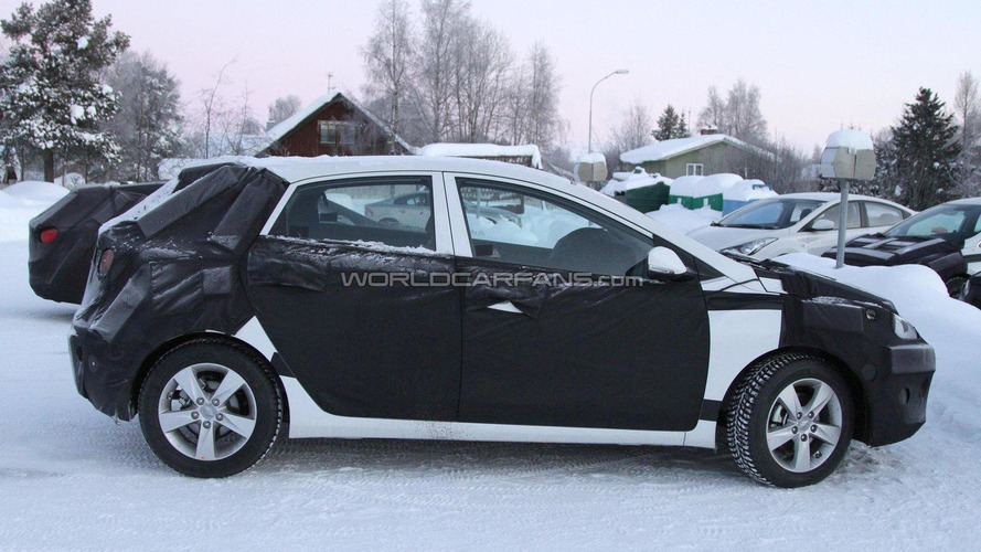 2012 Hyundai i30 spied in the cold