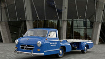"The replica of ""The Blue Wonder"" was built on the basis of photographs made of the original vehicle in the 1950s."