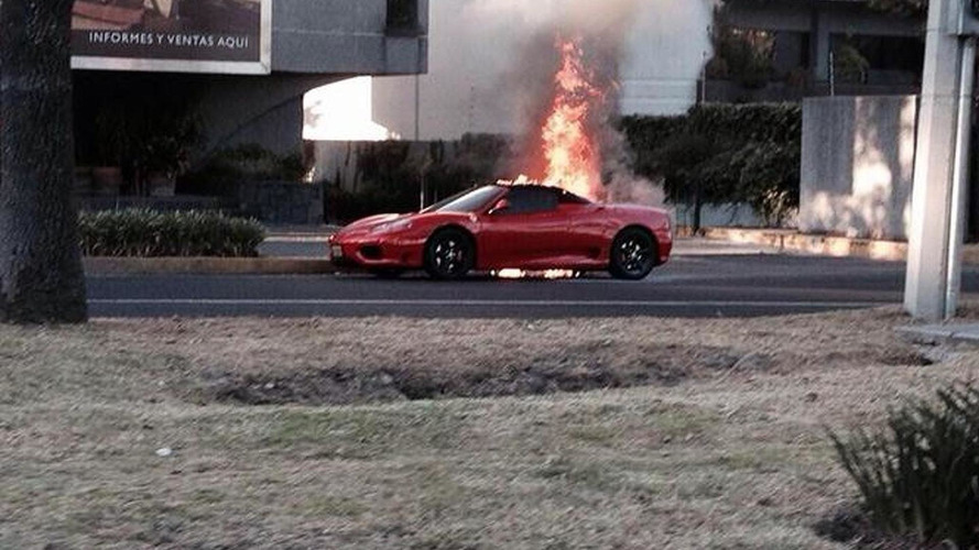 Ferrari 360 Spider burns in Mexico City due to mechanical failure