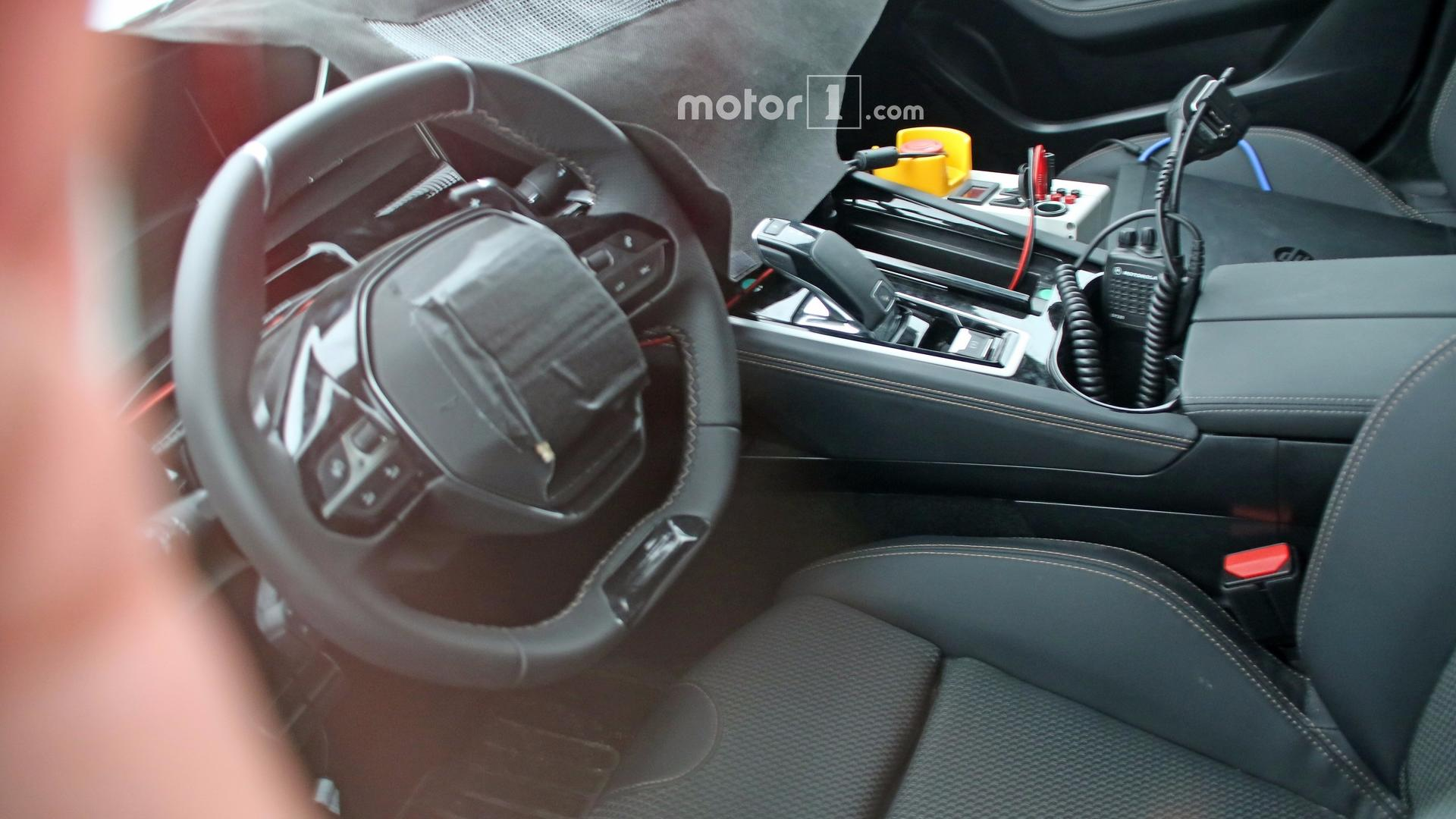 2018 peugeot 508 spied inside for the first time for Interieur 508 rxh
