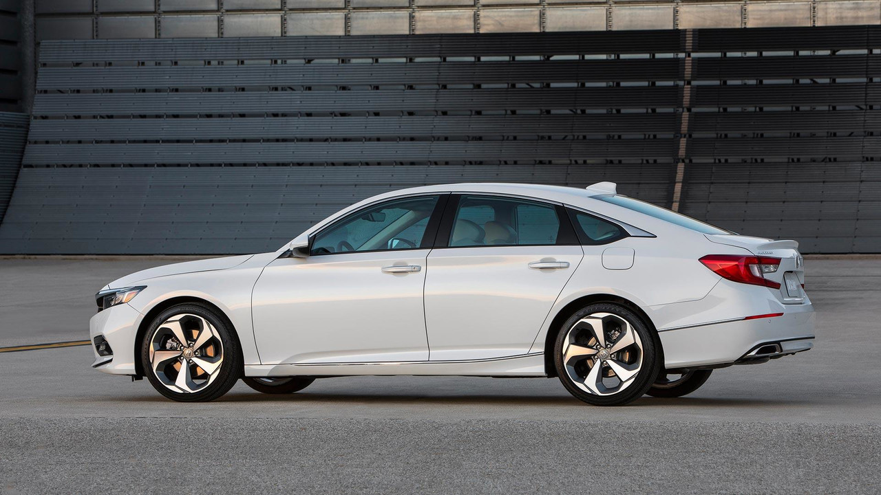 2018 Honda Accord Arrives With New 10-Speed Automatic ...