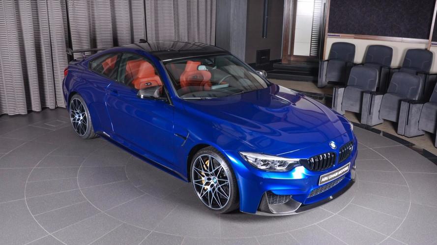 PHOTOS - Une merveilleuse BMW M4 chez Abu Dhabi Motors