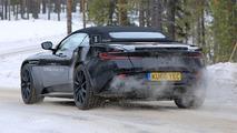 2018 Aston Martin DB11 Volante Casus Fotoğrafları