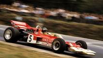 Jochen Rindt - En la F1, conduciendo el famoso Lotus 72C, realizará en 1970 una temporada casi perfecta que le otorgará el título, aunque fue una triste coronación: falleció en Monza, a tres carreras del final de temporada. Es el único campeón póstumo de la Fórmula 1. Ese año ganó el GP de Mónaco. En su carrera, también corrió dos veces las 500 Millas de Indianápolis, con un 24º puesto como mejor