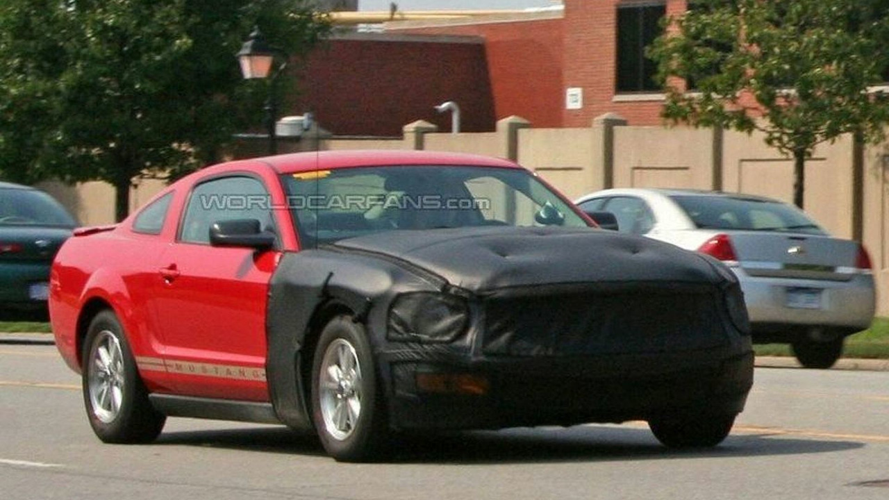 New 2010 Ford Mustang spy photo