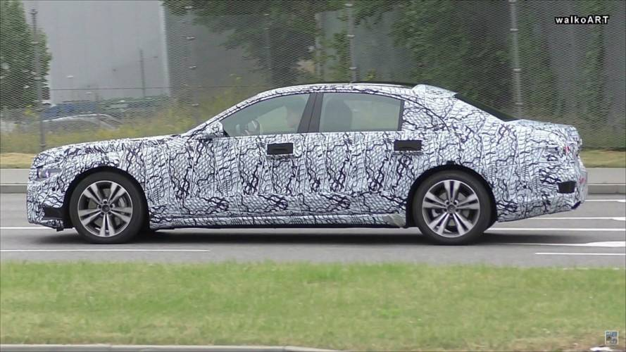 2020 Mercedes S-Class caught with new headlights
