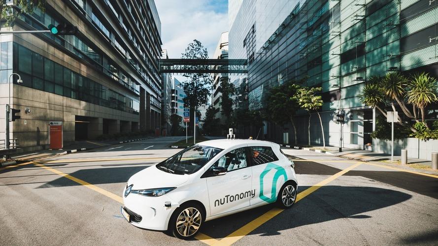 Dünyanın ilk sürücüsüz taksisi trafiğe çıktı