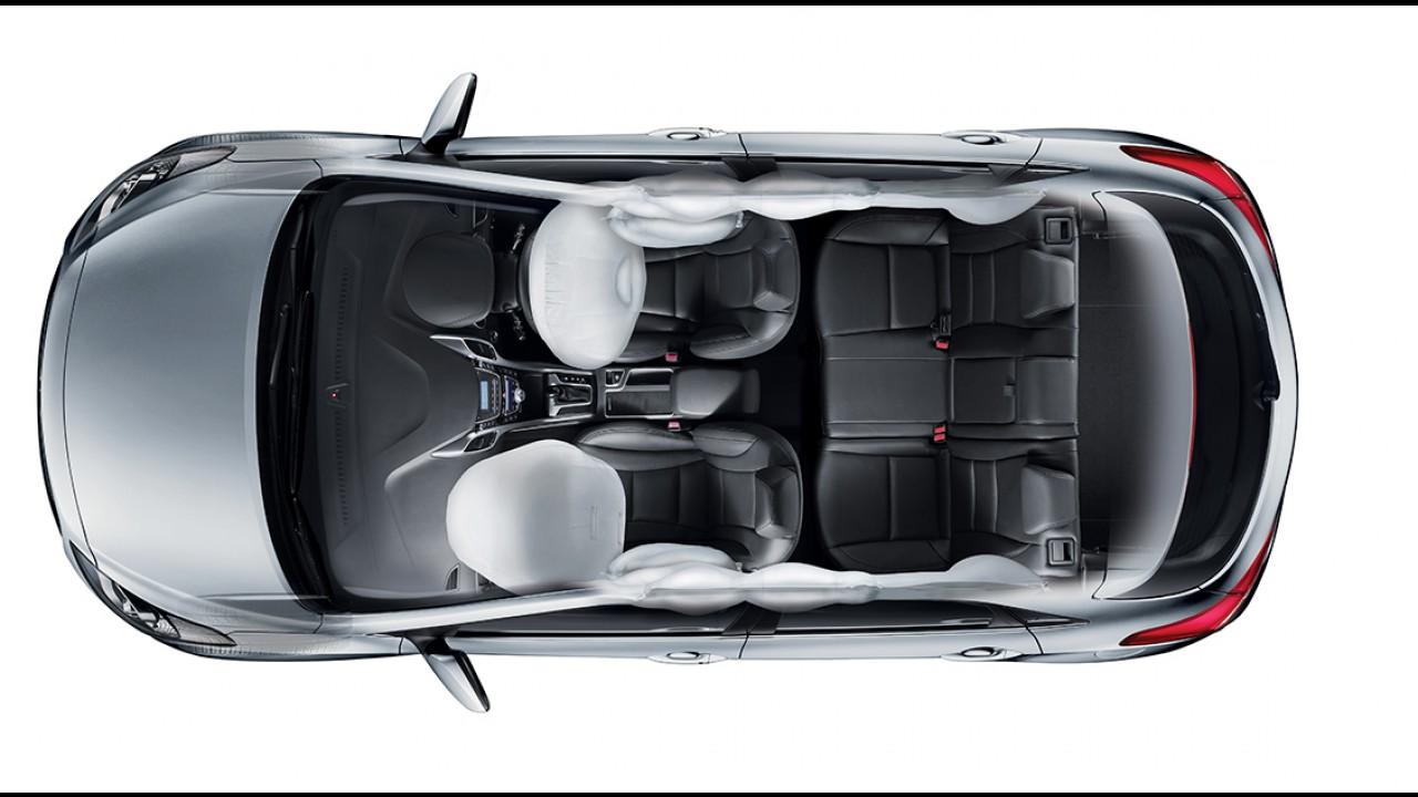 Hyundai i30 2016 com retoque visual já é vendido no Brasil por até R$ 105.990