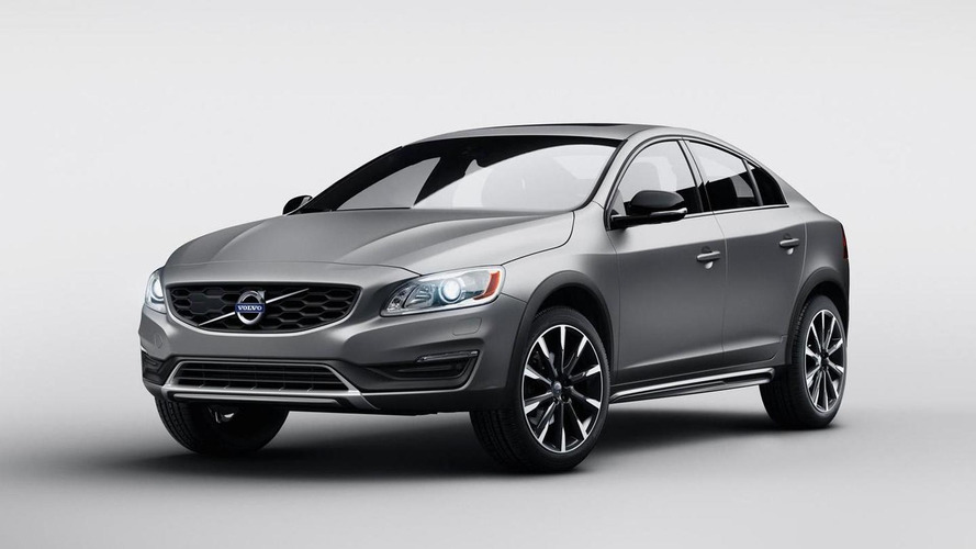 Volvo S60 Cross Country high-riding sedan revealed, debuts at NAIAS