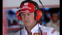 Tudo pela notícia: jornalista disfarçado de padre quase entra no quarto de Schumacher