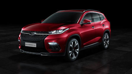 Plug-in hibrid hajtáslánccal és Exeed névvel érkezik Európába a kínai SUV