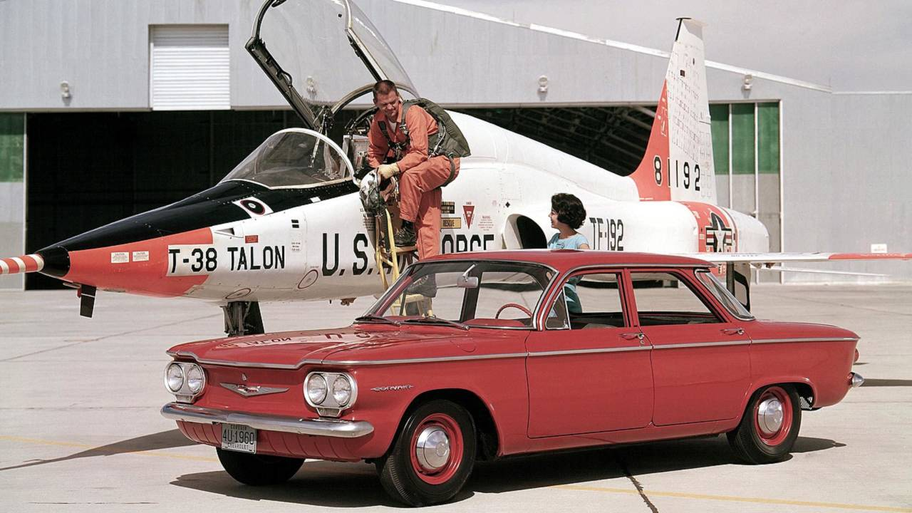 10. Chevrolet Corvair ve Unsafe At Any Speed