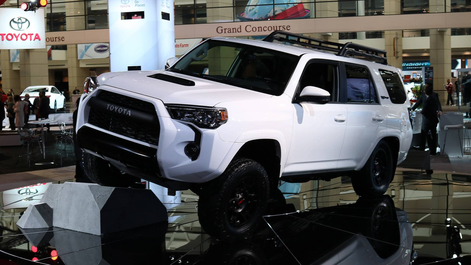 Toyota TRD Pro Lineup Get Fox Shocks To Work Even Better f Road