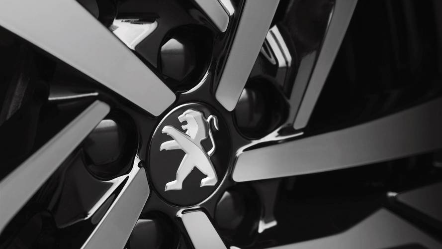 Peugeot patronu yalın EV modeli şart değil dedi