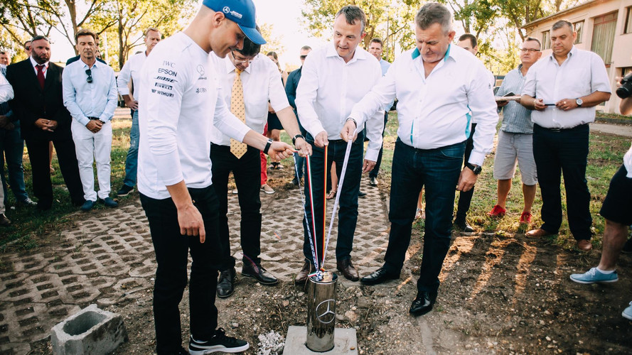 Valtteri Bottas alapkőletételen