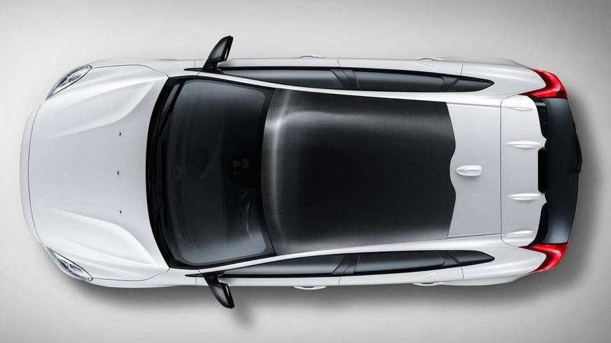 Volvo V40 Carbon introduced with a carbon fiber roof & upgraded engines