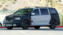 2008 Chrysler Voyager Spy Photos