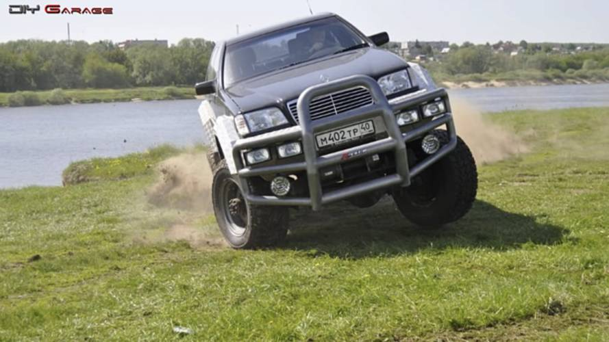 Une Mercedes Classe S sur base de camion militaire russe !