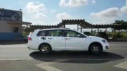 Flagra: VW usa Golf Variant para testar SUV médio Tarek no Brasil