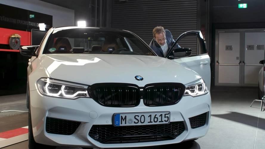 BMW, M5 Competition'un farklı özelliklerini bu videoda anlatıyor