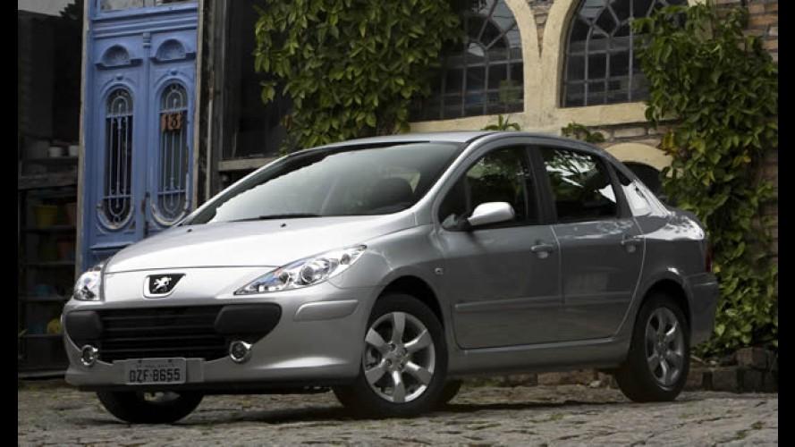SEDÃS MÉDIOS, resultados de outubro: Civic vence Corolla em disputa apertada e Focus Sedan chega ao top 5
