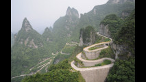 Tianmen Mountain Road, Cina (by About Tiger, Flickr)