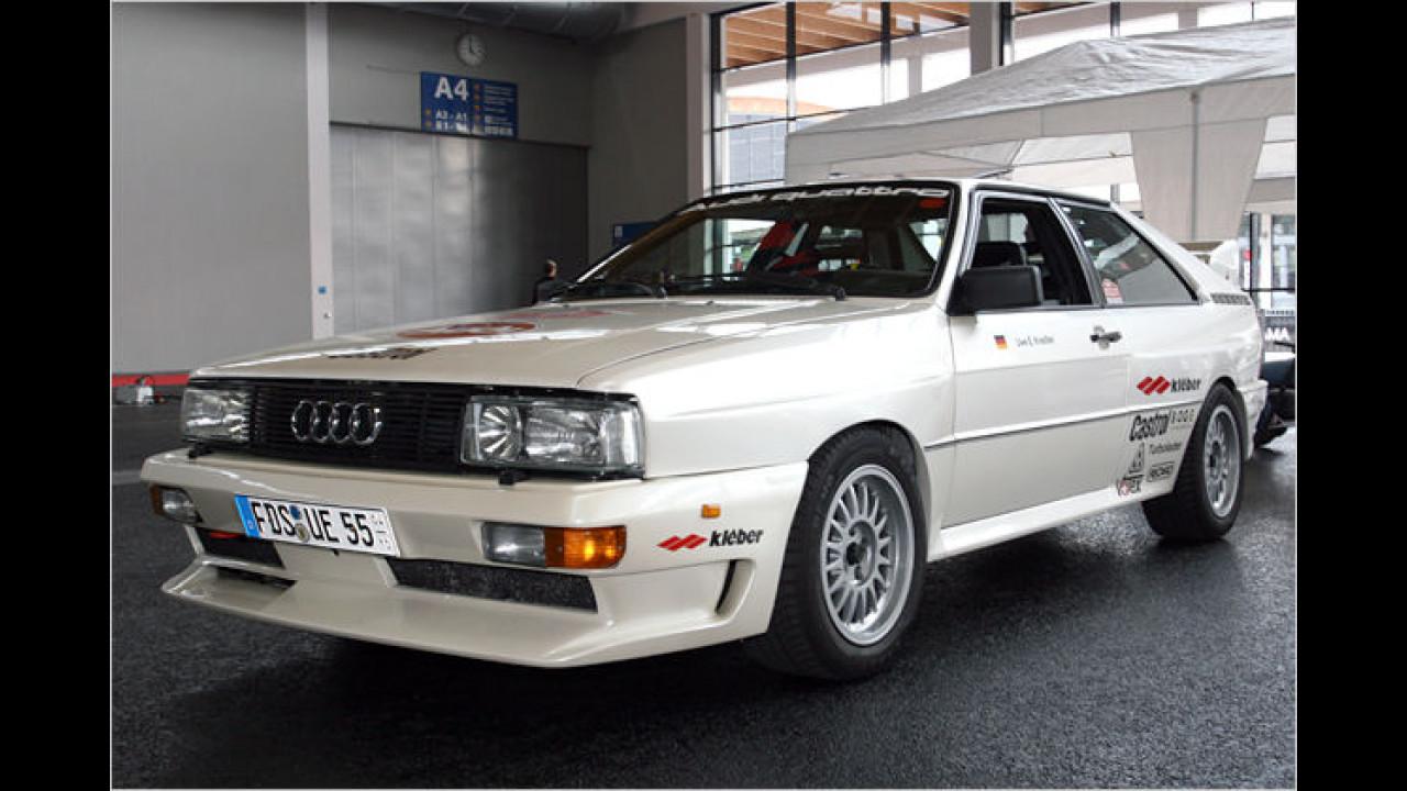Der Audi quattro war seiner Zeit das erste in größerer Stückzahl gefertigte Straßenfahrzeug mit permanentem Allradantrieb