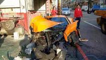 McLaren 12C slams hard into a concrete pole in Taiwan