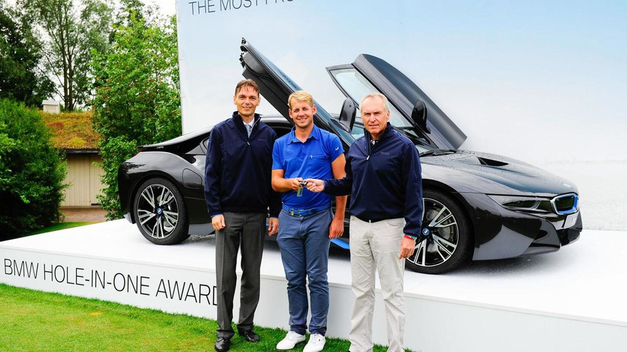 Golfer gets hole-in-one, wins a BMW i8