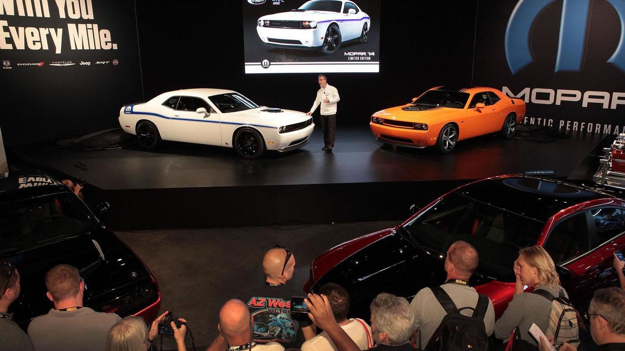 2014 Dodge Challenger R/T Shaker & Dodge Challenger Mopar at SEMA 06.11.2013