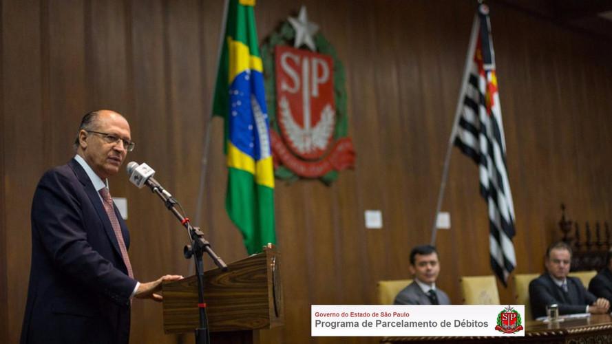 Governo de São Paulo dá até 75% de abatimento em multa sobre IPVA