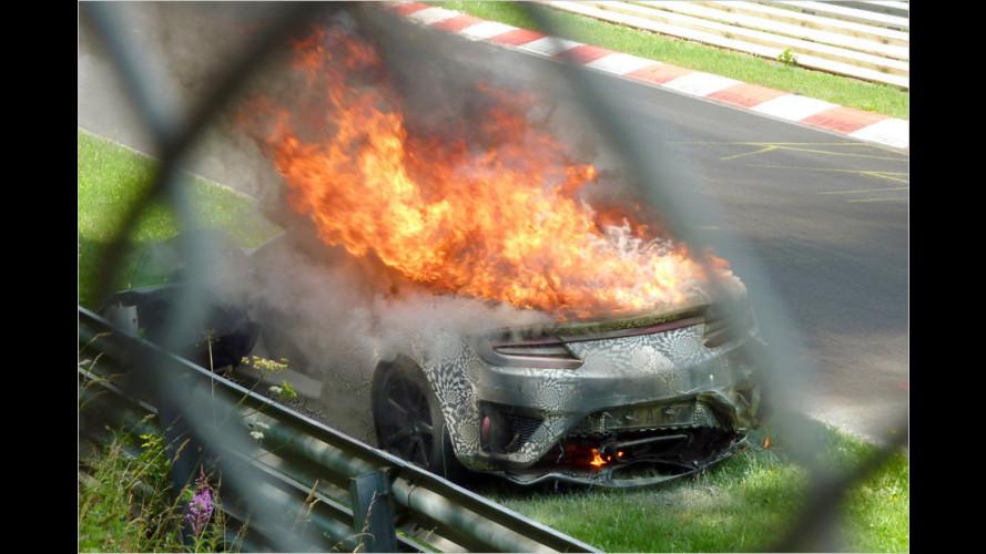 Bei Test am Nürburgring: Honda NSX 2015 brennt ab