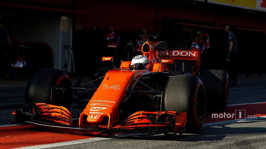 Alonso pede desculpas aos fãs pelo design