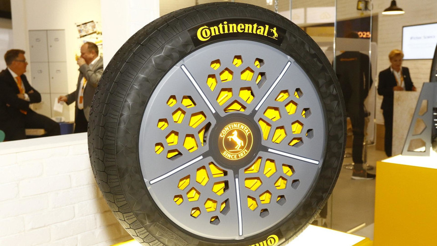 Concept Tire Knows If It's Damaged, Can Adjust Pressure And Width