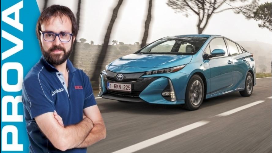 Toyota Prius Plug-in, l'ibrido fa un passo avanti [VIDEO]