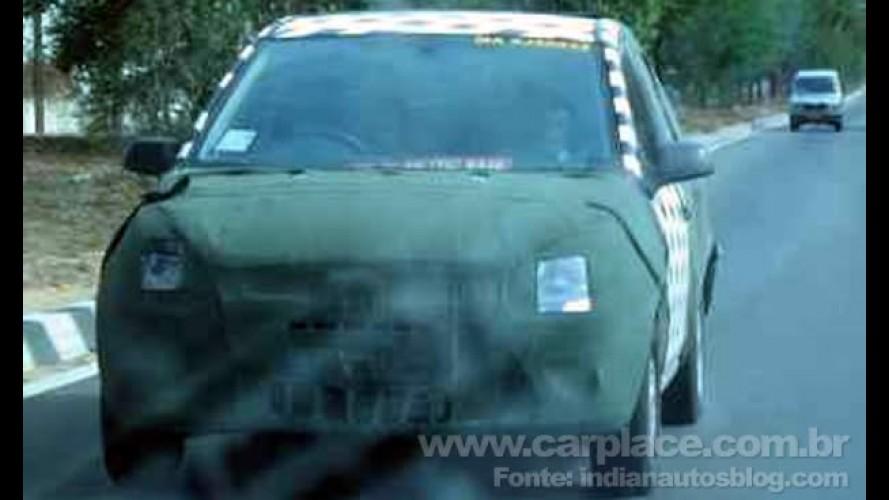Será o Fiesta 2011 brasileiro? Novo hatch compacto da Ford é flagrado camuflado na Índia