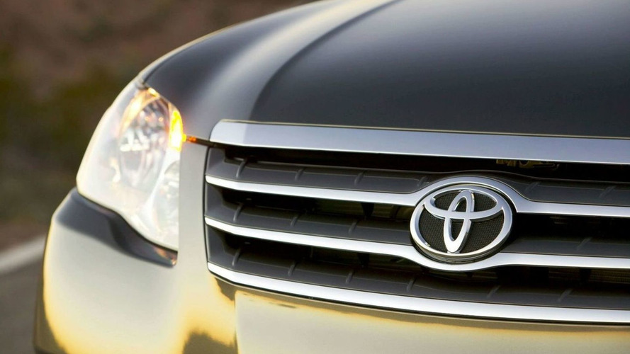 Toyota suspends sale of 8 models due to pedal recalls