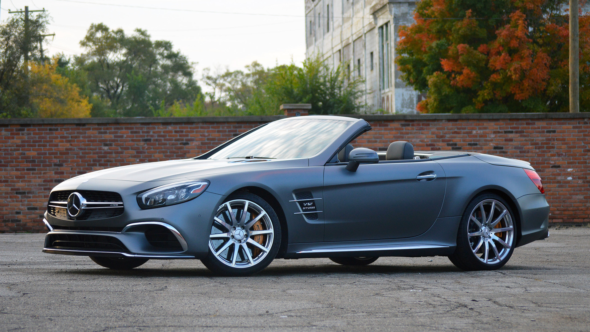 https://icdn-4.motor1.com/images/mgl/e1mPW/s1/2017-mercedes-amg-sl65-review.jpg