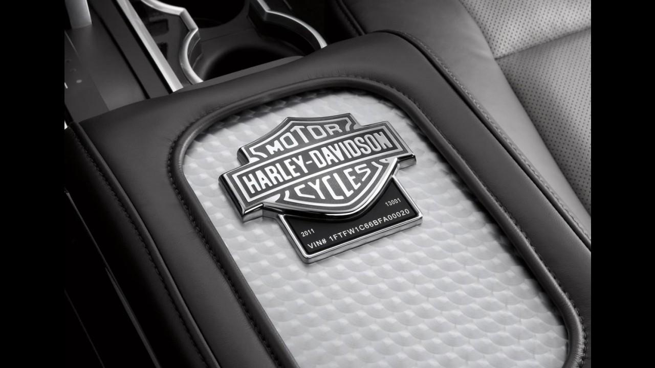 Ford F-150 Harley Davidson 2011 tem motor V8 de 411cv