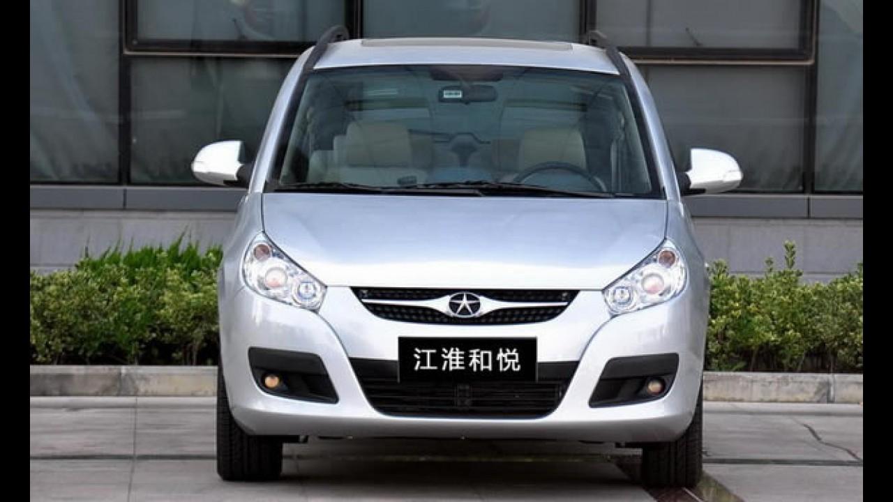 Os chineses da JAC Motors estão chegando - Veja detalhes em fotos do J5 Sedan e J6 Minivan