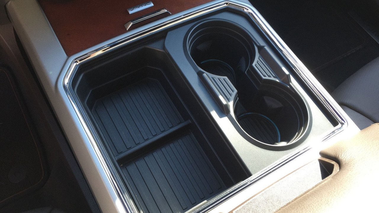 2017 Ford Super Duty transformable cupholder