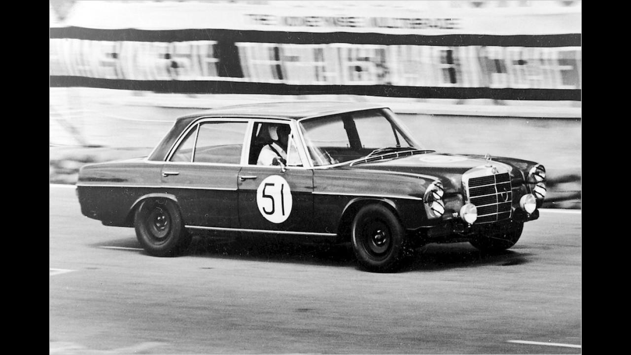 Mercedes 300 SEL 6.3 (Macau 1969)