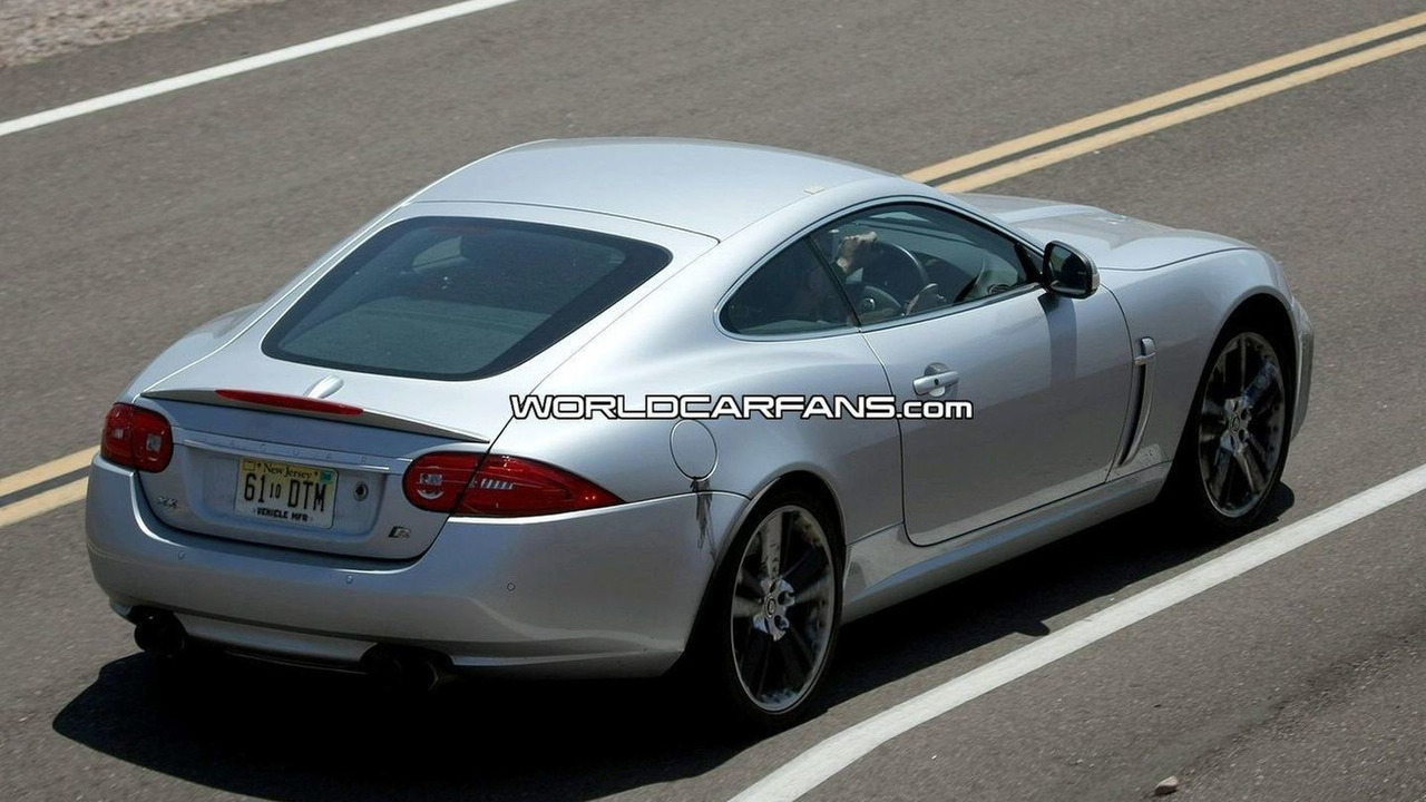 Jaguar XK-R facelift spy photo